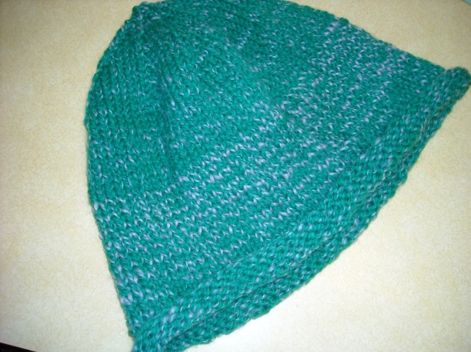 Green and gray wool hat to felt